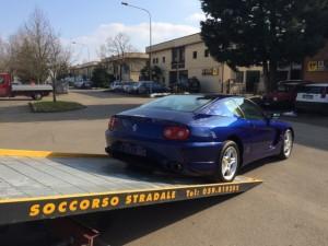 Soccorso stradale a Modena H24. Carroattrezzi Idea Auto con Ferrari Blu